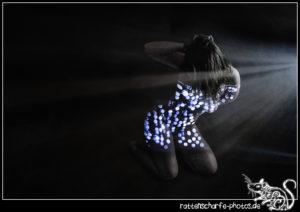 2020-03-16 SELF Bodylightpainting II