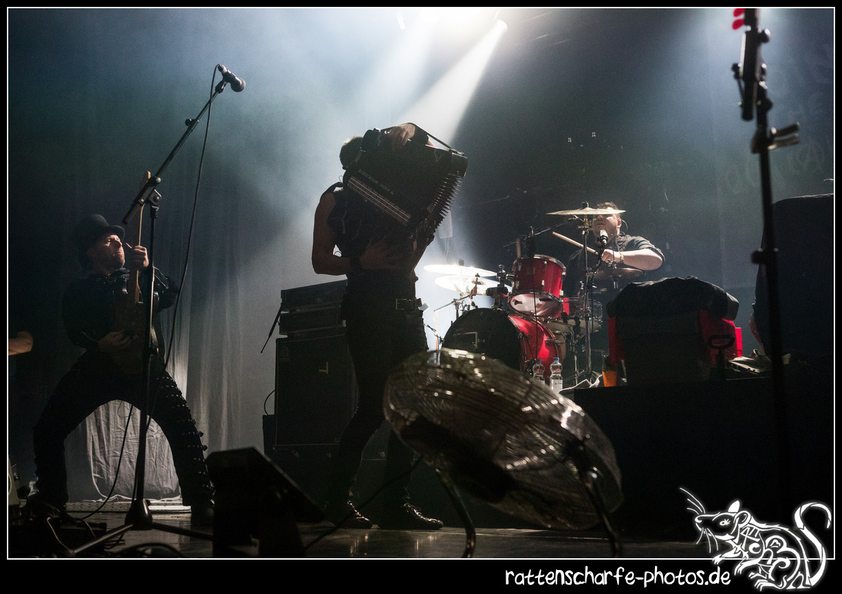 2018-12-23_paddy__the_rats__ehn_dresden-023