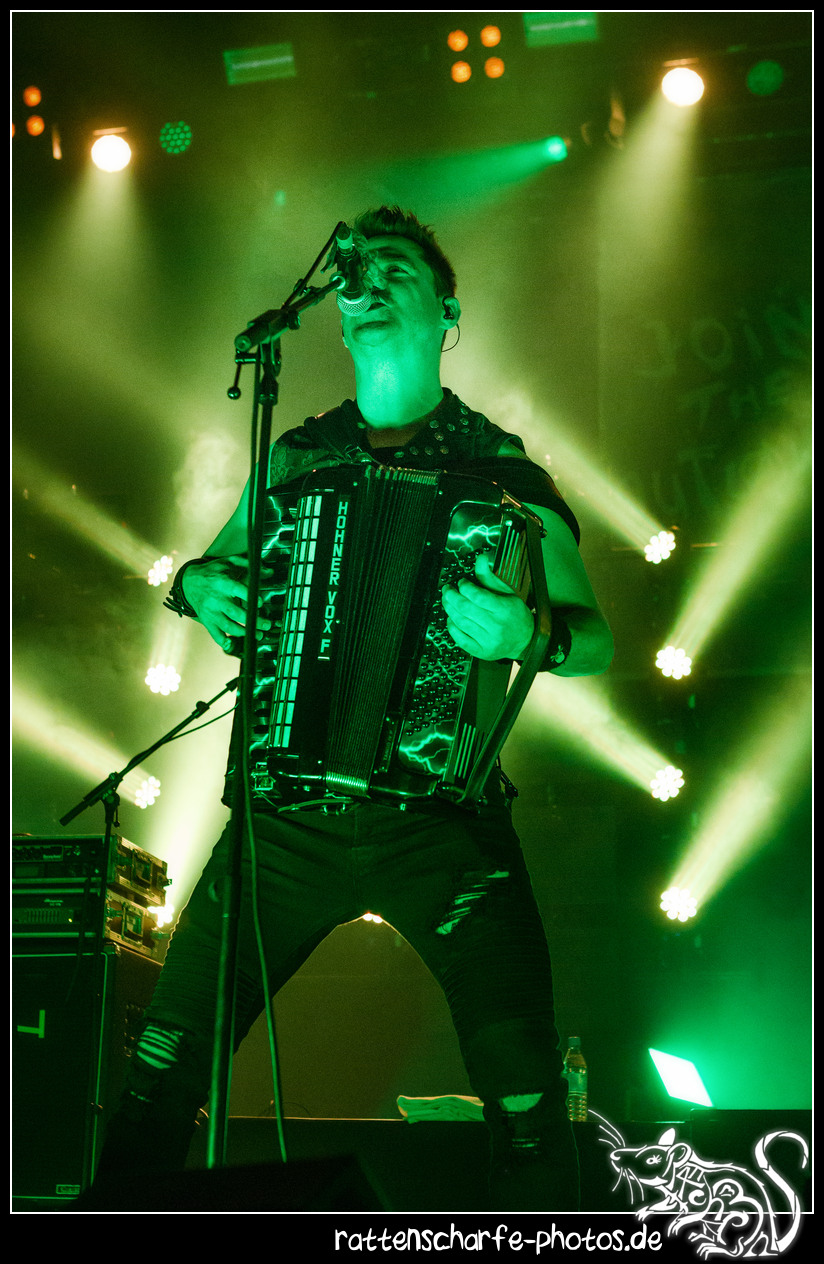 _2018-12-30_paddy_and_the_rats__ehn_potsdam-004