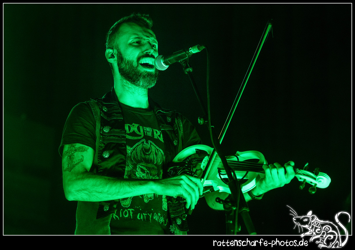 _2018-12-30_paddy_and_the_rats__ehn_potsdam-005