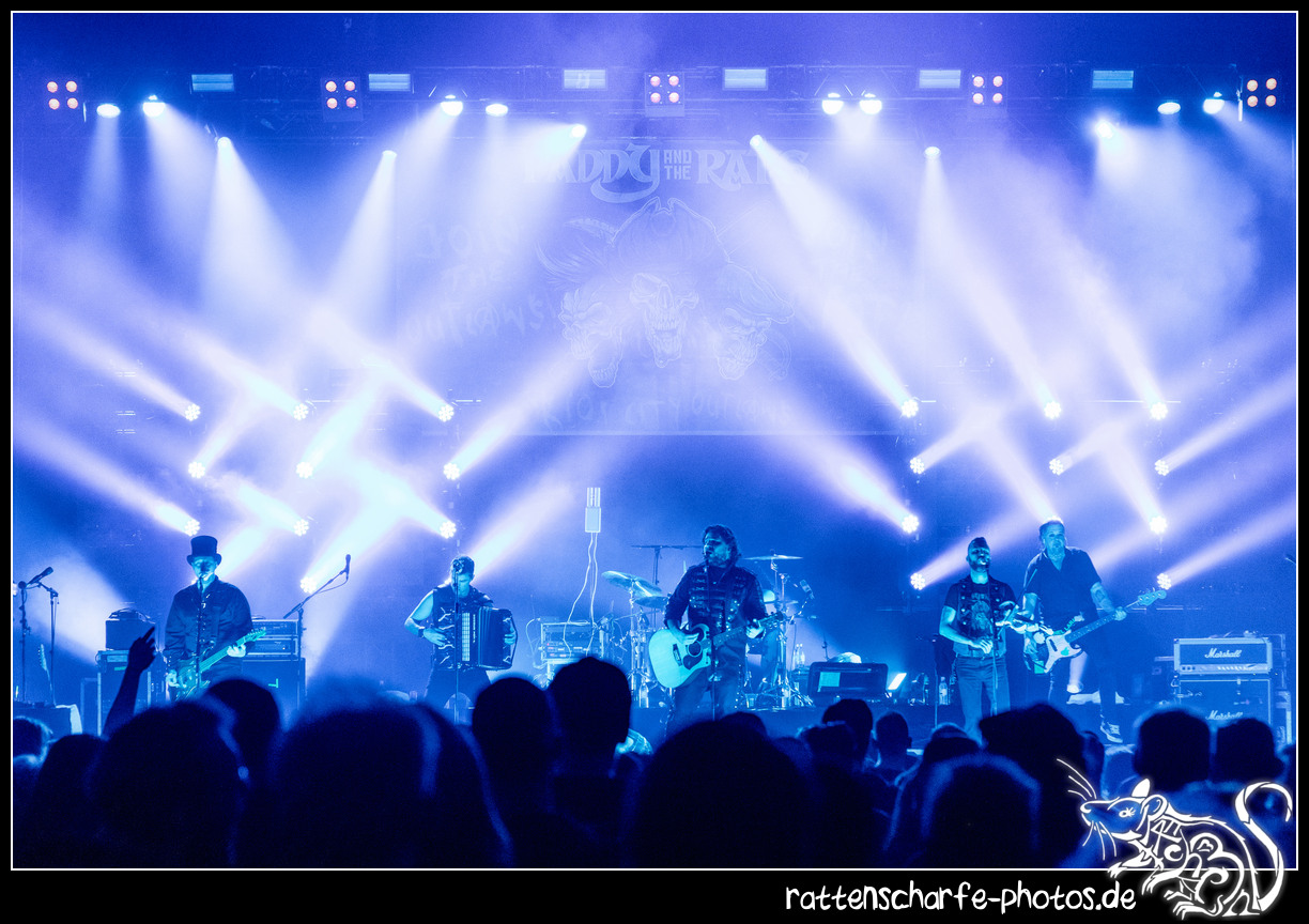 _2018-12-30_paddy_and_the_rats__ehn_potsdam-020
